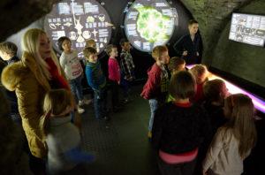 Muzeum vltavínů - Návštěva ZŠ Linecká