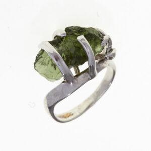 Prsten s přírodním vltavínem